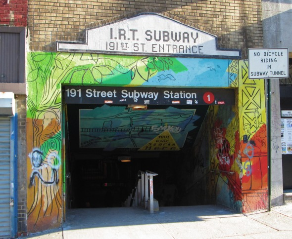 191st_Street_subway_station_Broadway_at_190th_Street_entrance